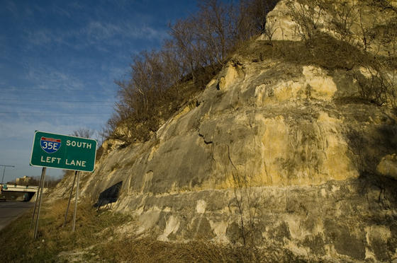 The bluffs along the Mississippi contain St. Peter sandstone. Laid down by a tropical ocean some 470 million years ago, this formation extends as far as Illinois, Missouri and Nebraska.