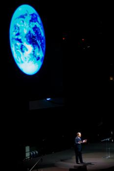 Al & the Earth: I wonder if Al Gore runs a distributed computing program on his Mac when he gives his global warming talks.  Probably not.  Image courtesy alexdecarvalho via Creative Commons/Flickr.