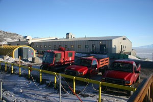Crary Lab with Rac tent in front, and Pisten Bully parking lot