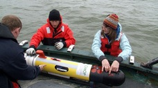 Watch researchers deploy the AUV: Watch Craig, Troy, and Trina deploy the AUV in the Columbia River.