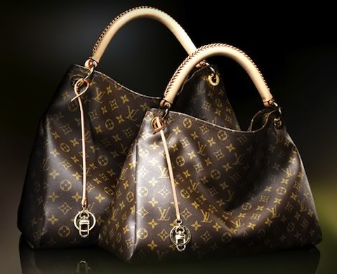 Louis Vuitton Outlet On Handbags