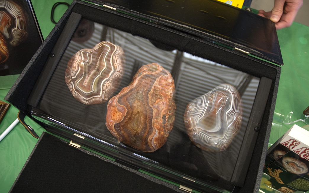 Minnesota Agates For Sale http://www.sciencebuzz.org/blog/minnesota-agate-festival-draws-collectors-and-admirers