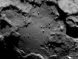 Close-up of comet 67P/Churyumov-Gerasimen's surface: Rosetta will send a lander to the surface in November.