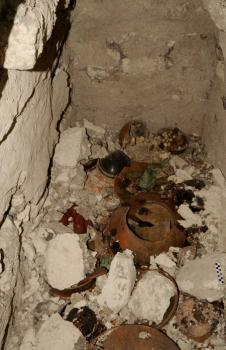 Bowls found in Mayan Tomb: I can't see if there are fingers or teeth in there, can you?
