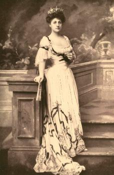 Mrs. Cornelius Vanderbilt: born Grace Graham Wilson in 1870, she became New York's leading socialite after her marriage to Cornelius Vanderbilt III.