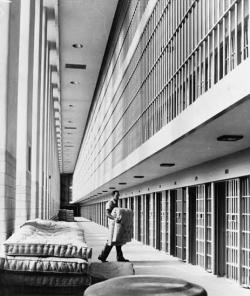 Are prisons doing more harm than good?: Photo Library of Congress